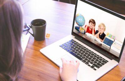 Jak skloubit home office a děti na distanční výuce?